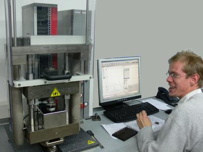 zwicki Spring Tester in the Joos-Quality Lab