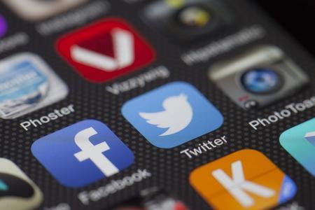 Wie kann man die Chance erhöhen, daß die eigene Social Media Seite in den Suchmaschinen erscheint?