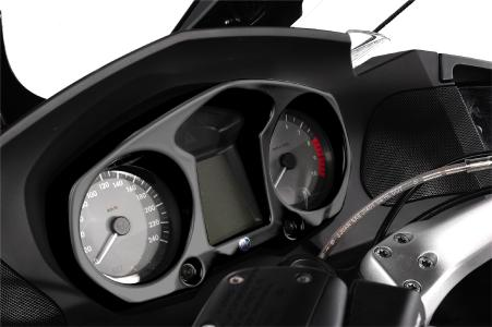 Cockpit glare protection 21060-002 on BMW R 1200 RT