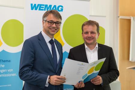 WEMAG-Vorstand Thomas Murche und Oberbürgermeister Dr. Rico Badenschier (r.) geben den Auftakt zur neuen Klima-Allianz Schwerin / Foto: WEMAG/Rudolph-Kramer