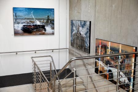"""Die Double Exposure Fotografien """"Sandy"""", """"Monuments of Vienna"""" und """"Life in Paris"""" der Ausstellung CITY MOMENTS von Georg Glatzel. Bis 31. Juli 2019 zu sehen bei Heidelberg iT. Foto: Andreas Gieser"""