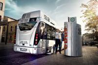 Aufgrund der hohen Volatilität der Reichweite batteriebetriebener Fahrzeuge ist es dringend geboten, den Ladezustand der im Einsatz befindlichen Busse permanent in der Leitstelle zu überwachen und – je nach Ladekonzept – auf der Strecke nachzuladen