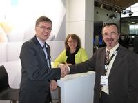 Dr. Enno Müller, Geschäftsführer digital Spirit und Dr. Lutz P. Michel, Vorstandsvorsitzender des D-ELAN e.V. auf der LEARNTEC in Karlsruhe