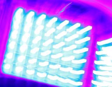 Ein neues UV-LED-System aus der Heraeus NobleCure®-Serie für spezielle Pinning-Anwendungen zur Optimierung Ihrer Härtungsprozesse, Foto: Heraeus Noblelight GmbH