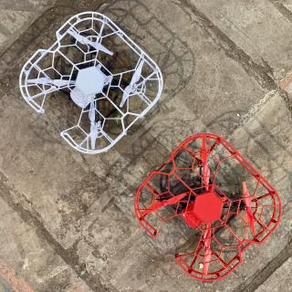 """""""Für Abstürze gewappnet: Die Fluggeräte bei DRONEREMOTE sind robust und selbst für Laien leicht zu steuern"""""""