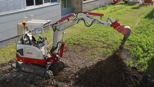 """Der """"Software-Driven Excavator"""" im Einsatz."""