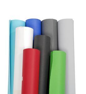 Über 40 verschiedene Hintergründe als Papierrolle von 1,38 m bis 2,75 m, Hintergrundstoffe bis 6 m und Falthintergründe stehen zur Verfügung.