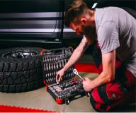 Professional 172-piece socket wrench set from GEDORE red for car workshops and enthusiasts now available at Conrad Electronic