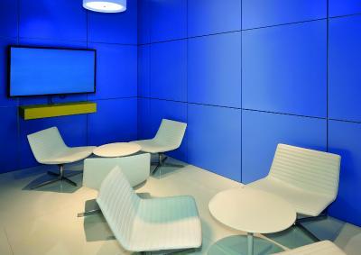 ISIDesign Trennwand Raumgestaltung mit blauen Dekorplatten