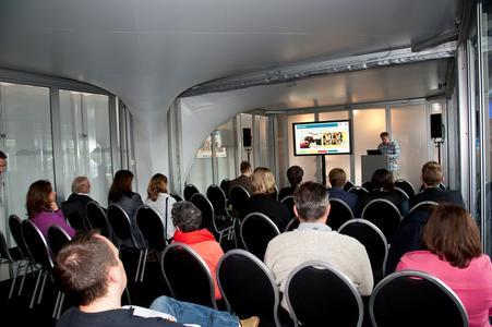 In zwei Vortragsforen wurden dem Publikum hochkarätige Fachvorträge präsentiert