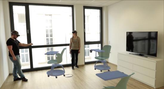 Mitarbeiter von medialesson richten ihr Büro mit virtuellen Steelcase-Möbeln ein