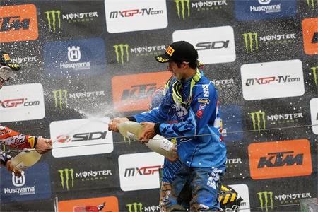 Seewer and Rockstar Energy Suzuki Podium in Italy