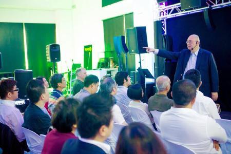 Adam Hall Asia Pte Ltd ha tenuto il summit inaugurale dei distributori APAC a Singapore