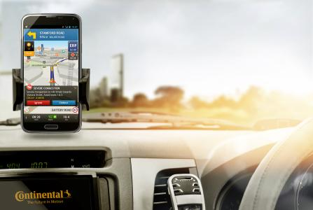 Zipping smartly through town with the City Navigation app from Continental / Picture: © Continental AG