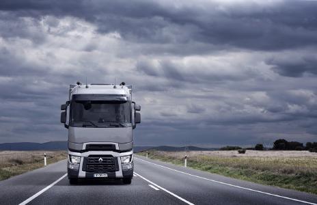 Renault Trucks zeigt auf der 67. IAA Nutzfahrzeuge in Hannover insgesamt sieben Fahrzeuge in Halle 17, Stand 21.