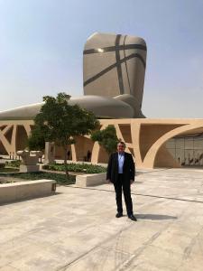 """""""Die herausragende Handwerkskunst unserer Mitarbeiter wurde durch eines der spektakulärsten Projekte in unserer Firmengeschichte erneut beflügelt"""", sagt Helmut Roßkopf bei seinem Besuch in Dhahran."""