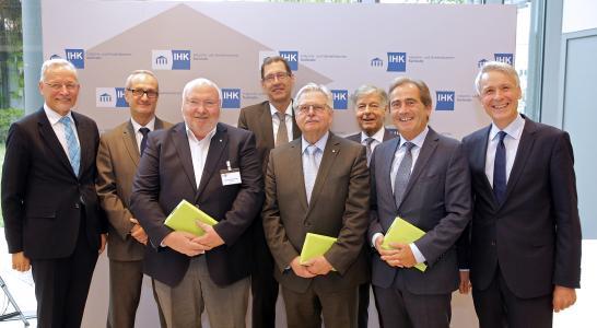 IHK-Vollversammlung verabschiedet langjährige Mitglieder - Nebeniusmedaillen für ehemalige Vizepräsidenten