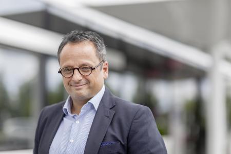 Dr. Stefan Girschik