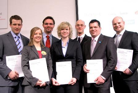 v.l.n.r. - GEFMA Förderpreisträger 2010: Markus Becker, Silja Allmer, Ralf Scheurer, Anika Dittmar, Kai Janisch (Hauptpreis), Norman Gasser, Ralf Haderlein