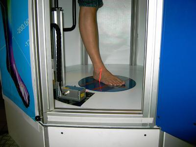3D-Fußscans liefern neue Daten zur Optimierungen der Passform von Schuhen und Strümpfen