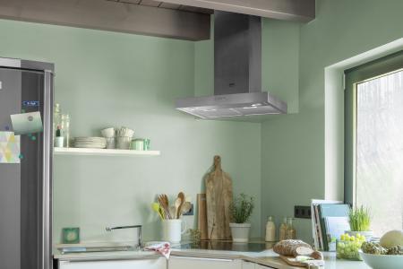 Kochen mit Blick ins Grüne: 3D Mint 55 mit DecoLasur Glänzend + 2% Effektpigment PearlWhite. (Foto: Caparol Farben Lacke Bautenschutz/Blitzwerk.de)