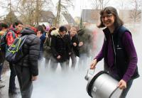 Neben der Kinder-Uni begeistert Dr. Susanne Garreis (rechts) auch Jugendliche für die Wissenschaft © Hochschule Aalen/ Erika Lahnsteiner