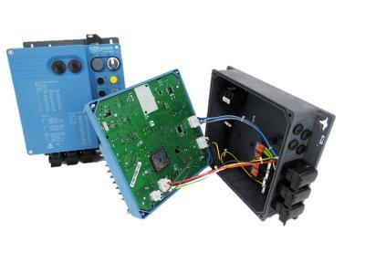 NORDAC LINK-Motorstarter SK 155E-FDS, NORDAC LINK-Motorstarter SK 155E-FDS offen mit SKW-Steckverbinder 2-polig, 4-polig, SKEDD-Kontakte K98104-AG / Bildquelle: Würth Elektronik ICS