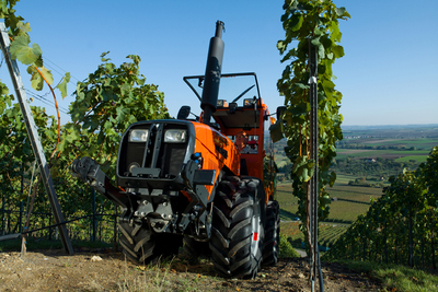 Holder F560 Weinbau