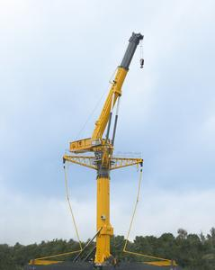 The GTK 1100 vehicle crane for the American manufacturer Grove is produced in Wilhelmshaven. It is especially suitable for applications requiring great lifting heights (for example wind power stations) (Photo: Manitowoc)