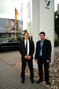 1000eyes Geschäftsführer Sascha Keller (links) / Videor Produktmanager Mathias Burkard (rechts)