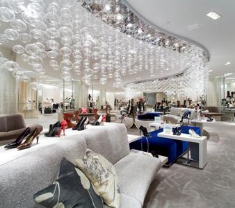Die US-amerikanische Luxus-Kaufhauskette Saks Fifth Avenue setzt bereits auf neue intelligente RFID-Lösung von Tyco bei der Verwaltung des Warenbestands, die auch im Mittelpunkt der Teilnahme von Tyco als Aussteller auf dem RFID-Kongress 2014 stehen.