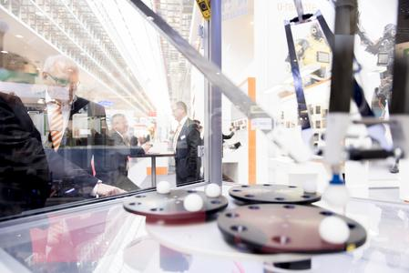 Around 120 national and international journalists attended the Hannover Messe Preview, where they found out from Weidmüller about the Group's solutions in relation to Industry 4.0, predictive maintenance and energy efficiency