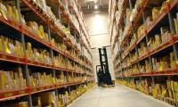 Gabelstapler im Lager: Wie Unternehmen ihre Produkte transportieren, hängt von vielen Faktoren ab. (Bildlizenz: CC0 Public Domain – Freie kommerzielle Nutzung, kein Bildnachweis nötig)