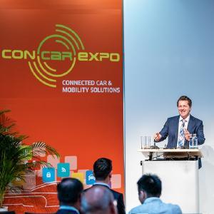 In seiner Eröffnungsrede der CONCAR-EXPO 2018, erläuterte Dr. Lutz Eckstein die gesellschaftlichen und ökonomischen Potenziale von Automatisiertem Fahren / Bild: VDI Wissensforum