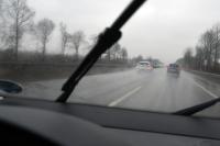 Tempo drosseln bei starkem Regen