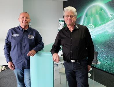 Innovationsfreudig: Dieter Neukirchner (links) und Helmut Böhrer von OKW