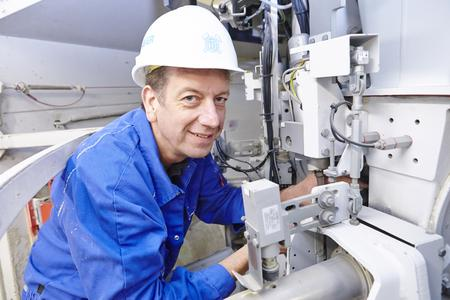 The HAVER Service Technicians deal with assemblies, commissioning, maintenance and conversions. With acute technical disturbance they are by side at short notice