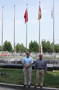 Georg Senftl und Markus Schultz, Geschäftsführer ViscoTec China
