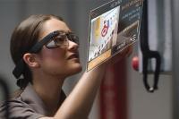 Google Glass EE2 mit Sicherheitsbrille und UI Quelle Google