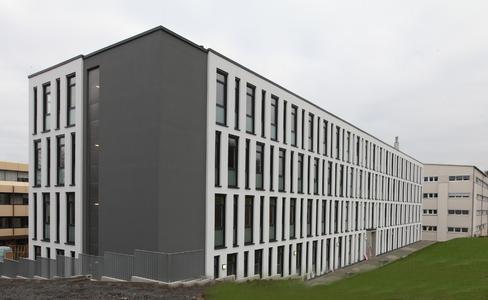 Die Außenfassade des Gebäudes M554 mit 4.000 qm Fläche, auf 8 Einheiten verteilt