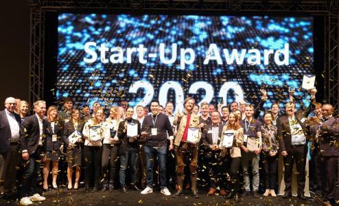 Gruppenbild auf dem DIGITAL FUTUREcongress  Frankfurt 2020 Gewinner und Finalisten