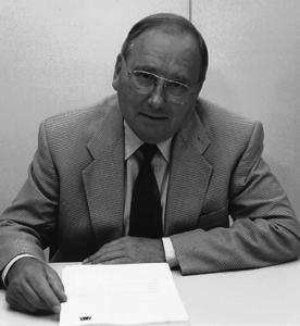 Eberhard Schütz war von 1988 bis 1997 Präsident des Verbandes Deutscher Zahntechniker-Innungen.