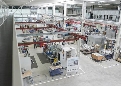 The new production hall from inside: bright, modern and employee friendly. Picture author: Elektror airsystems gmbh