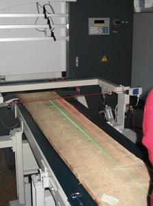 Z-LASER for the wood industry: longer red an green lines and laser projections