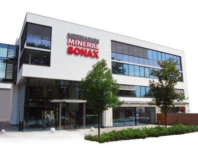 SONAX am Stammsitz in Neuburg an der Donau, Bildquelle: SONAX
