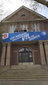 IT Security-Lösungsanbieter zeigt an der Königsallee Flagge für den VfL