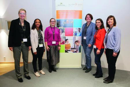 Wirtschaft gewinnt Fachkräfte - dank des Mentorinnen-Programms der Kontaktstellen Frau und Beruf / Foto: Tom Maelsa