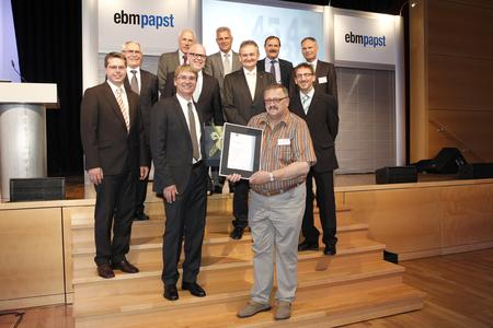 Karl-Heinz Wolfram, geehrt für 45 Jahre Betriebszugehörigkeit