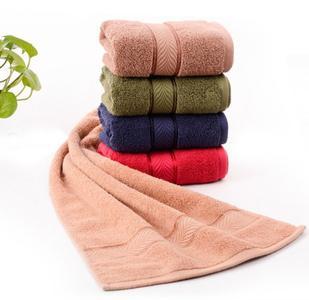 """1980 gegründet, hat sich Loftex China Ltd. mit insgesamt fünf Produktionsstandorten in China mittlerweile zu einem der größten Handtuchhersteller weltweit entwickelt. Zum Thema Nachhaltigkeit äußert sich Mr. Wang Yanping, Präsident von Loftex, wie folgt: """"Wir werden """"grüne"""" Textilien durch eine nachhaltige Entwicklung erschaffen."""" ©Loftex China Ltd"""