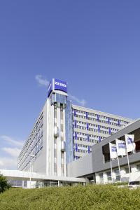 Ein Besuch bei der Carl Zeiss GmbH darf in Jena nicht fehlen. (Foto: ZEISS).